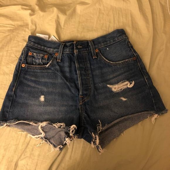 Levi's Pants - Denim shorts